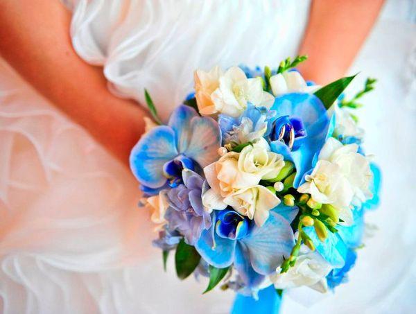 Шикарный свадебный букет из орхидей