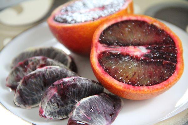 Кровавый апельсин обладает большим количеством витаминов