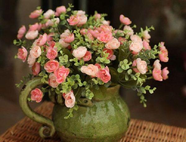 Уход дома за цветком требует особого внимания