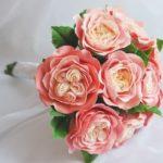Пионовидные розы часто используются для создания букетов
