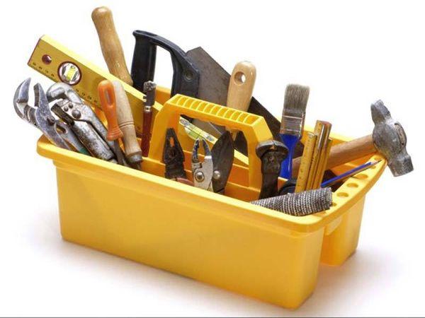 Для строительства стеллажей нужны инструменты