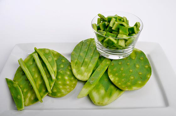 В еду употребляют и плоды, и стебли опунции