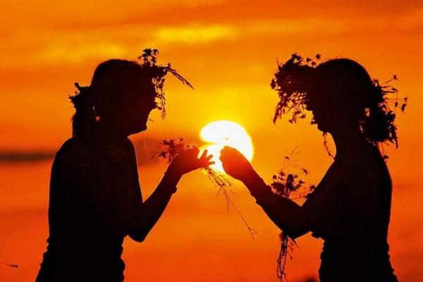 21 июня по летнему стилю - день летнего равноденствия
